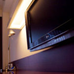 ゴキブリは部屋のどこにいる?電化製品の周りは大好きな場所の1つ。